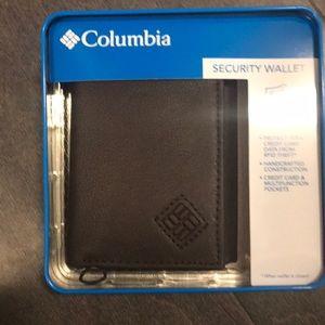 NWT Men's Columbia Wallet